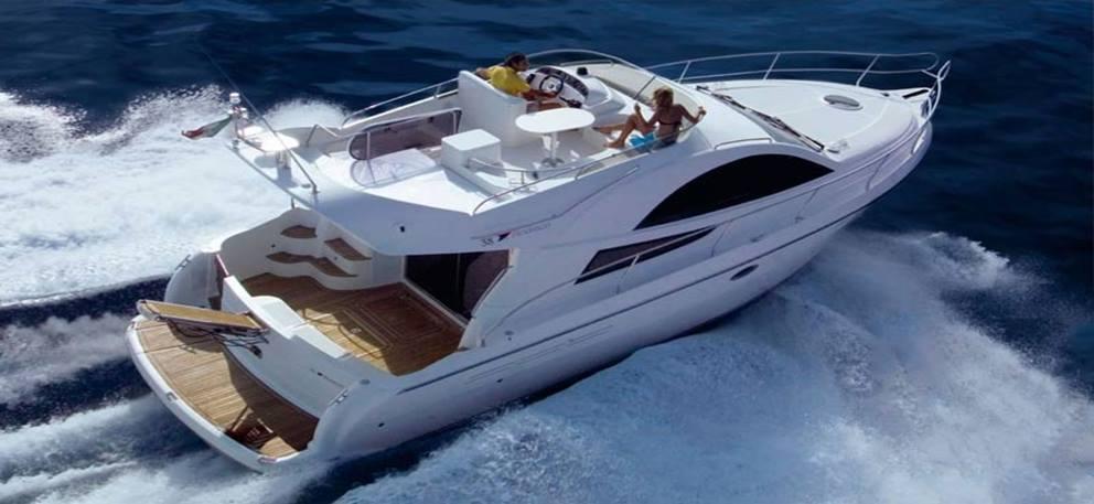 paseo en barco en costa tropical españa